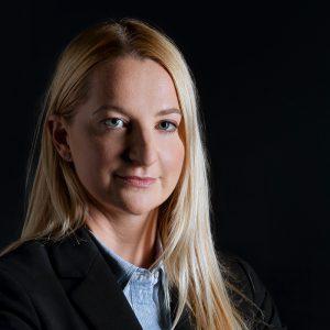 Ana Grabnar, LL.M. (纽约大学)